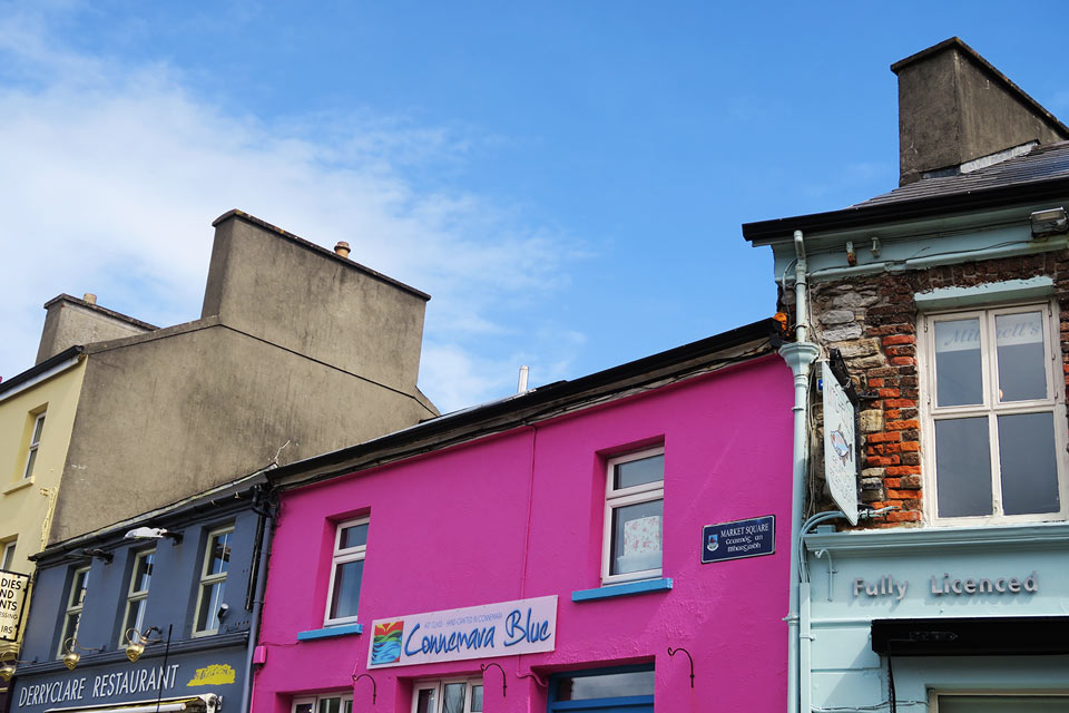clifden maisons colorees